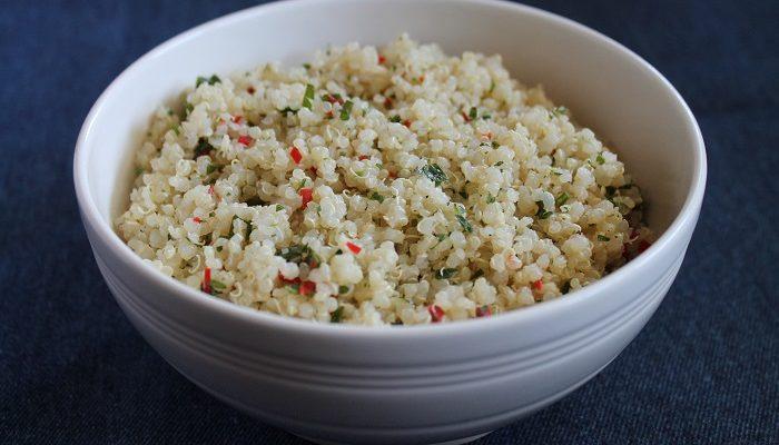 Heimelaga quinoasalat